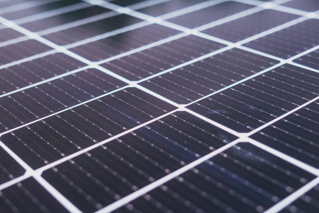 hoeveel stroom zonnepaneel